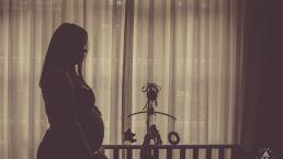Zwangerschap fotoshoot vrouw silhouet voor box